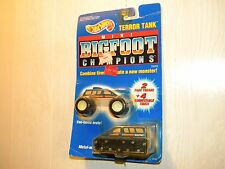 HOT WHEELS 1991 BIGFOOT CHAMPIONS MONSTER TRUCK TERROR TANK WITH EXTRA TIRES