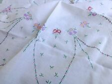 Vintage 1930s style hand embroidered linen tea tablecloth daisy chain