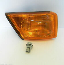 IVECO DAILY 99-06 O/S FRONT RIGHT DRIVER INDICATOR LIGHT+ BULB HOLDER - AMBER