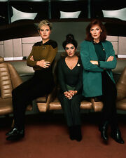 Marina Sirtis & Cast (16342) 8x10 Photo