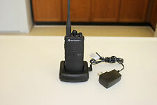 MOTOROLA RDX SERIES RDU4103 UHF 2-WAY TWO-WAY RADIO WALKIE TALKIE 10 CHANNEL