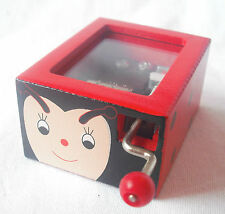 NEW WOODEN WIND UP MUSIC MAKER BOX RED LADYBIRD PLAYS 'OLD MACDONALD'