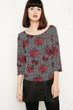 Cooperative Floral Spotty Top Size XS Box1149 a