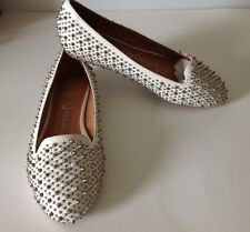 NIB Jeffrey Campbell Martini Spiked White Loafers Size 5 comes with extra spikes