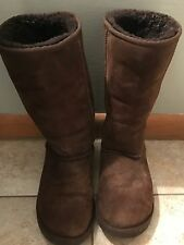 WOMENS UGG BOOTS SIZE 9- BROWN-GUC
