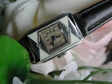 1920's Ladies Art Deco Black & White Parisienne Enamel Elgin Watch~ Runs ~ Case