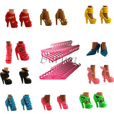 Cute Fashion Handmade Shoes Boots Sets+ 20 Clothes Hangers for Barbie Doll Gifts