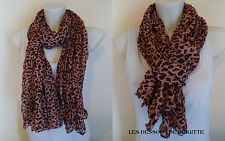 FOULARD MOTIF LEOPARD FOND ROSE  FASHION TENDANCE