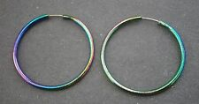 NT856) RETRO SMALL RAINBOW ENAMEL METAL HOOP PIERCED EARRINGS APPROX SIZE: 2.5CM