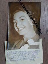 PHOTO DE PRESSE 1955 COLETTE DUVAL PORTRAIT CHAMPIONNE PARACHUTISME