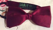 Gent's vintage retro 1970's AKCO burgundy BOW TIE. Party / Cruise / Xmas