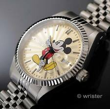 Invicta Disney Mickey Mouse Champagne Dial Silver Tn Limited Edition Men's Watch