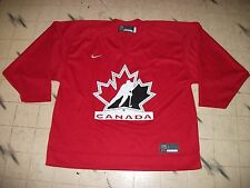 TEAM CANADA HOCKEY JERSEY SIZE 54 GREAT SHAPE BAUER NIKE  MODERN STYLE