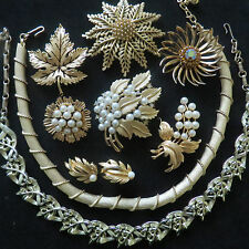 Vintage Gold Tone Brooch Necklace Jewelry Mixed Lot Trifari Lisner Kramer