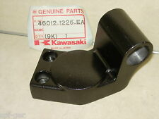 ZX-900 GPZ-900-R A7 A8 A10 Kawasaki Right HandleBar Holder Clamp P/No 46012-1226