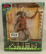 Alien Resurrection WARRIOR ALIEN Movie Edition Action Figure Hasbro Kenner 1997