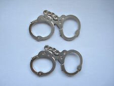 SALE RARE VINTAGE HANDCUFFS POLICE FORCE HAITTS HOUDINI TRICK X2 PIN BADGE 99p