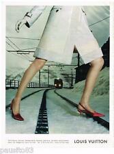 PUBLICITE ADVERTISING 105  2002  LOUIS VUITTON   haute couture chaussures maroqu