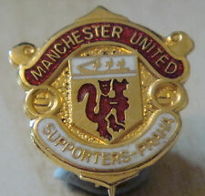 MANCHESTER UNITED PRAHA SUPPORTERS CLUB badge Brooch pin Gilt 20mm x 21mm