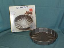 "11"" LaFORME ""KAISER"" BAKING PAN..NON-STICK BAKING (CAKE) PAN..EXTRA HEAVY"