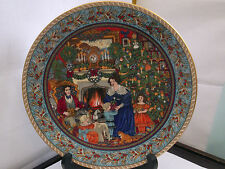 ROYAL WORCESTER DECORATIVE PLATE  CHRISTMAS DAY FROM CHRISTMAS PAST SERIES
