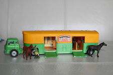 CORGI TOYS * BEDFORD HORSE TRANSPORTER * NEWMARKET STABLES *  TOP