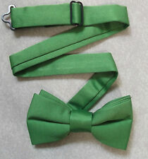 NEW BOYS GREEN BNWOT DICKIE BOW TIE BOWTIE ADJUSTABLE NECK SIZE AGE 2-10