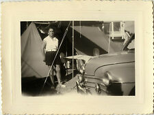 PHOTO ANCIENNE - VINTAGE SNAPSHOT - CAMPING CAMPEUR TENTE VOITURE AUTO - CAR