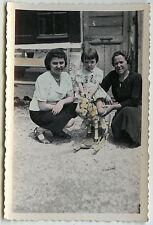 PHOTO ANCIENNE - PHOTO COLORISÉE CHEVAL DE BOIS JOUET-CHILD TOY-Vintage Snapshot