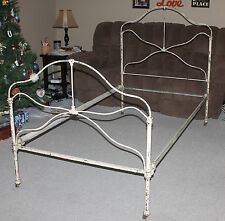 Antique Vtg ORNATE CHIPPY Paint IRON BED FRAME HEADBOARD FOOT BOARD RAILS Single