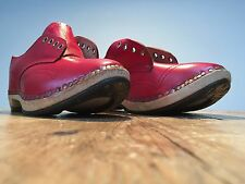 NEW CLASSIC HAND CRAFTED 'GIBSON' LACE UP STYLE RED LEATHER CLOGGS - UK 3