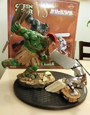 SIDESHOW EXCLUSIVE PLANET HULK GREEN SCAR VS SILVER SAVAGE SURFER DIORAMA STATUE