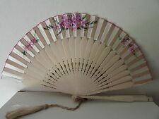 ANTIQUE WOOD HAND PAINTED SILK HAND FAN EVENTAIL WITH TASSEL