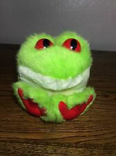 Cute Puffkins Freddy the Tree Frog 1994 Green Red Plush Stuffed