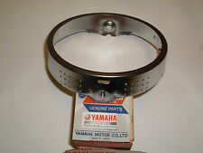 YAMAHA DT250MX, DT400MX - HEADLAMP RIM RETAINING