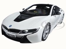 BMW i8 CRYSTAL WHITE 1/18 DIECAST MODEL CAR BY PARAGON 97083