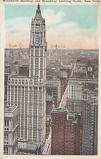 Post Card - New York / Woolworth Bullding and Broadway Looking North