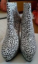TIMELESS Animal Print Wedge Heel Zip Up Casual Party Ankle Boots Size 6 NWOB