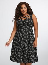 Torrid Rose Floral Skull Lattice Front Swing Dress Size:  22 aka 3X #17244