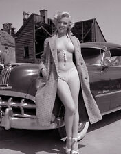 Marilyn Monroe & vintage car vintage classic picture   8x10 photo