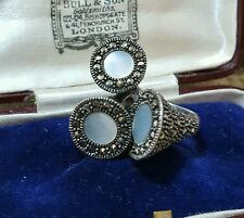 VINTAGE 925 STERLING SILVER RING, MARCASITE & MOTHER OF PEARL, SIZE i½, 15 GR