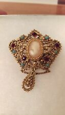 FLORENZA Vintage Brooch Pin Victorian Revival Resin Cameo Crown Gold - Perfect