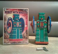 BRAND NEW SUPT MS444 ROBOT WITH WHEELS WIND UP TIN ROBOT