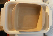 Two Microwave Cookware Pans   2 Quart Rubbermaid and 1Quart Anchor Hocking