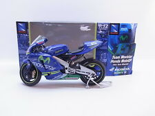 Lot 37132 | NEW RAY 42253 HONDA rc211v 05 seitseman GIBERNAU MOTO 1:12 NUOVO IN SCATOLA ORIGINALE