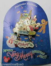 Disney Christmas Party Annual Passholder Donald Duck Pin