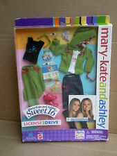 Licenza, 2 bussolot Bambola Fashion Pack Vestito Mary-Kate & Ashley BARBIE MATTEL 2002