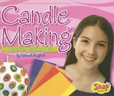 Candle Making: Work with Wicks and Wax (Snap Books Crafts)