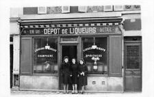 CPA 93 CARTE PHOTO MONTREUIL SOUS BOIS RUE DE PARIS COMMERCE DEPOT DE LIQUEUR SP
