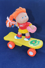 CABBAGE PATCH KIDS figure on skateboard Pull back and go 1994 Toy Collecible 14